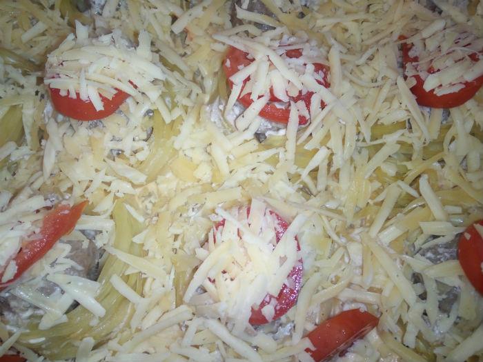 Гнезда с помидорами и сыром фото