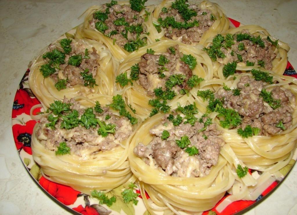 Гнезда из спагетти фото