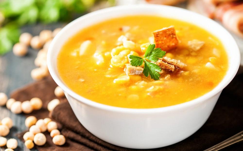 Гороховый суп с обжаренным фаршем фото