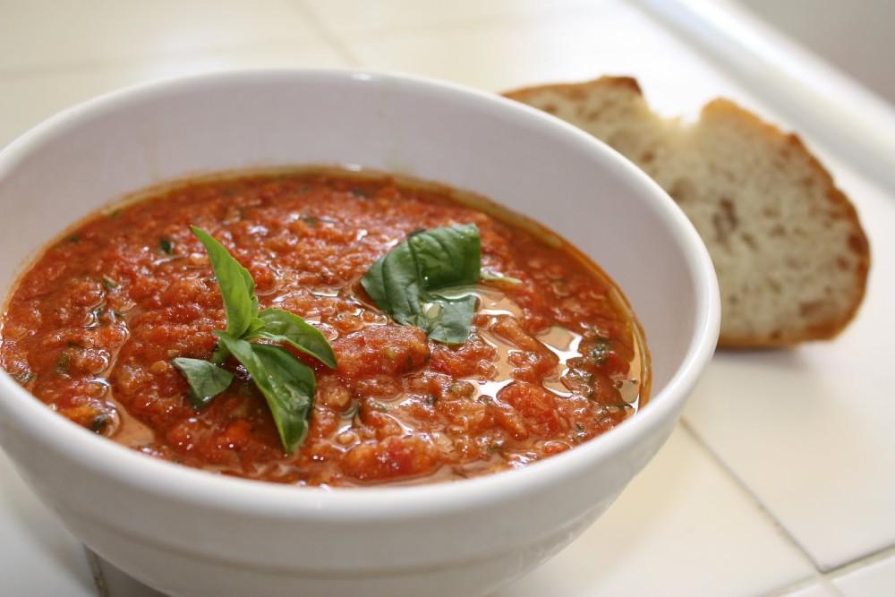 Томатный тосканский суп с помидорами фото